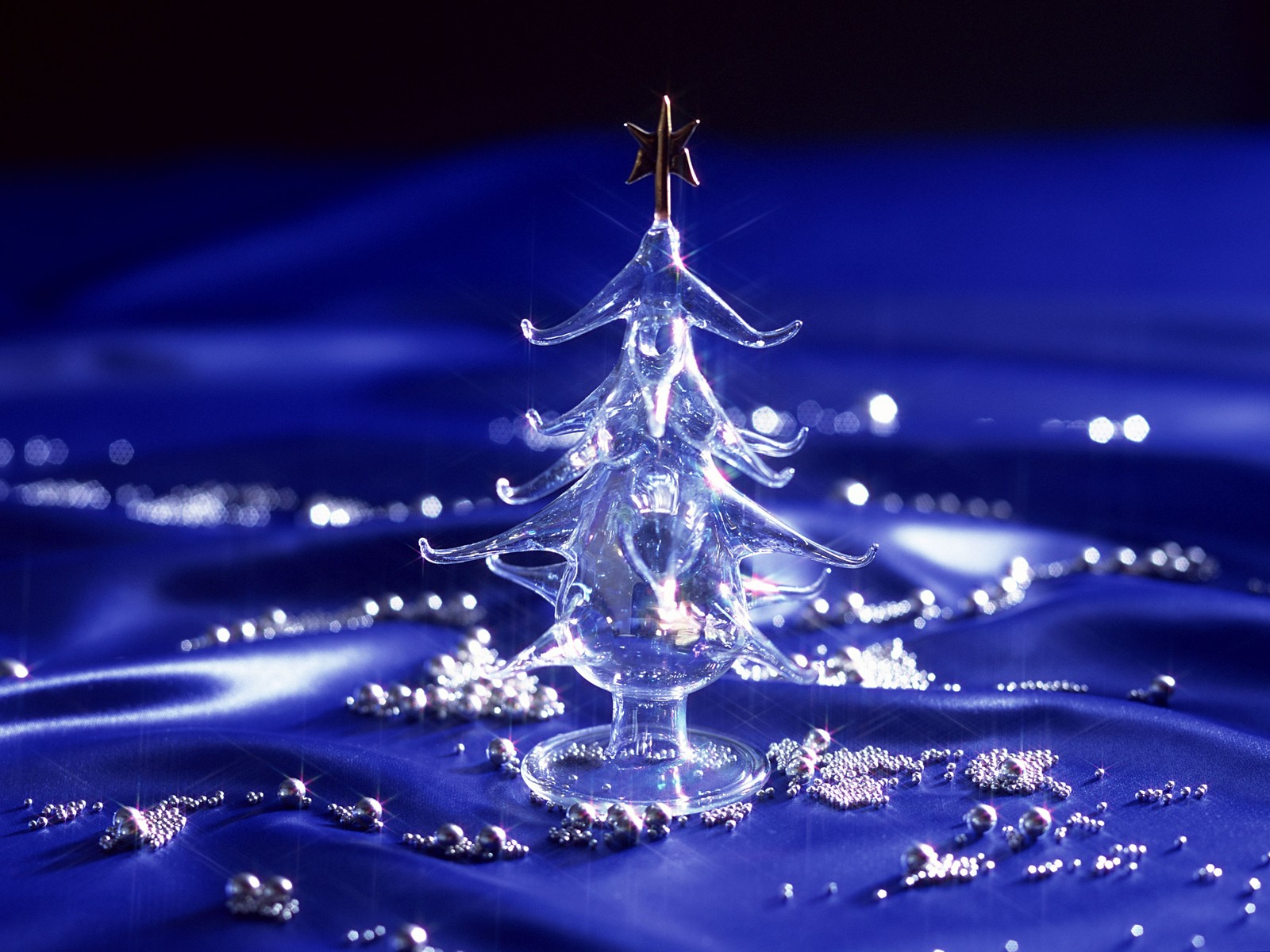 online-free-stuff-download-christmas-tree-wallpapers-h-i-ibackgroundz.com_
